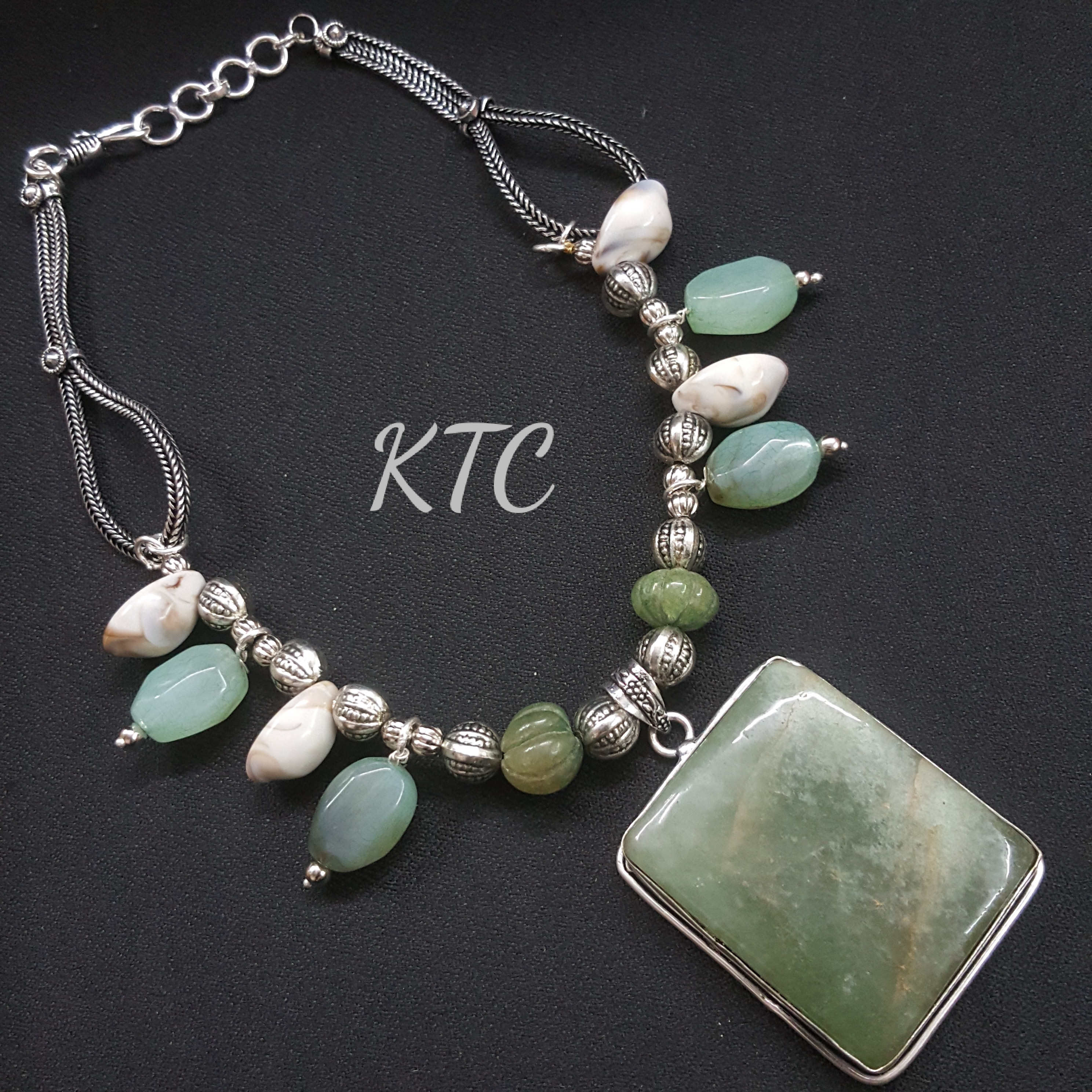Emerald Green Jade Stone Pendant Set