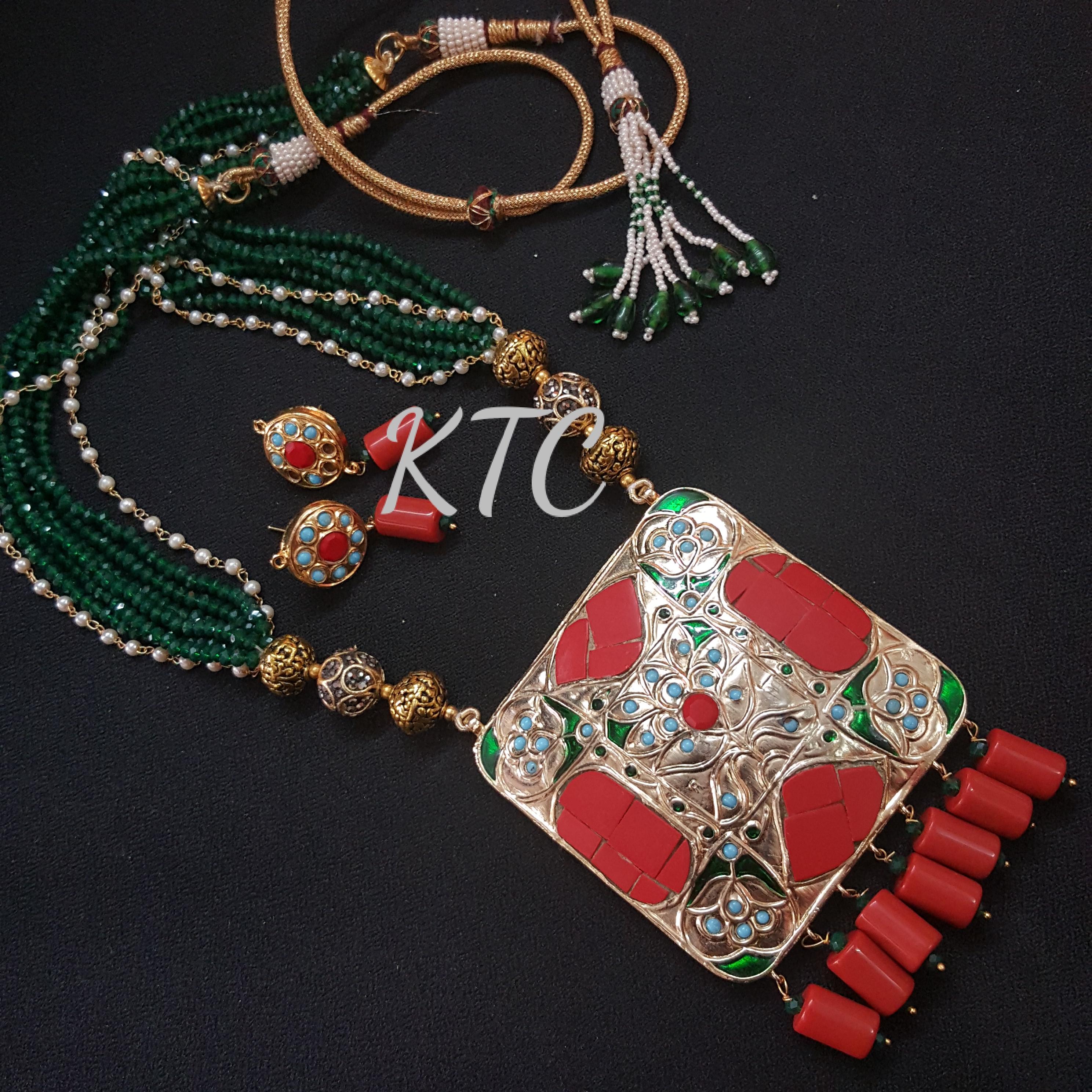 Red-Green Takkar Jadau Pendant Set